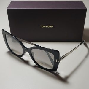 NWT Tom Ford womens sunglasses butterfly black